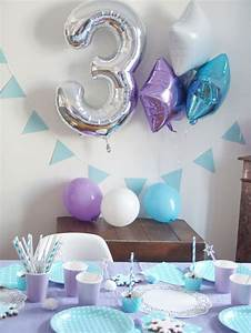 Decoration Pour Anniversaire : best 25 frozen party centerpieces ideas on pinterest frozen theme centerpieces frozen party ~ Preciouscoupons.com Idées de Décoration
