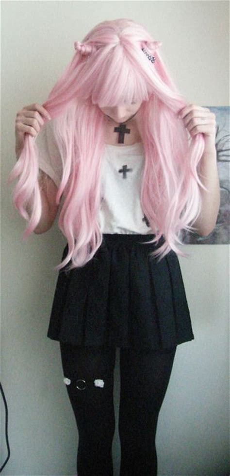 Pastel goth | Tumblr / visual kei look for the Anime Emo Punk Tech Movement of 2054 in book ...
