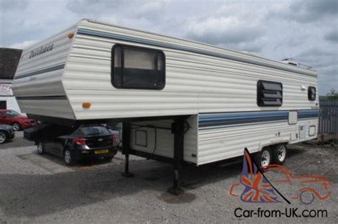 1997 DUTCHMAN CLASSIC 5TH WHEEL CARAVAN