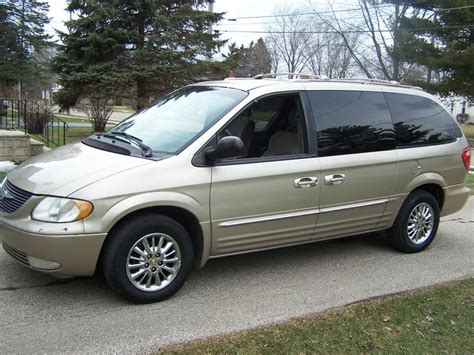 Chrysler Milwaukee by 2002 Chrysler Town Country Sale By Owner In Milwaukee