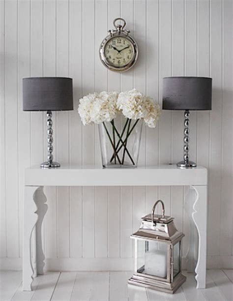 Decorating Sofa Table by How To Decorate A Living Room With A Modern Console Table