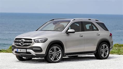 mercedes benz gle debuts      lots