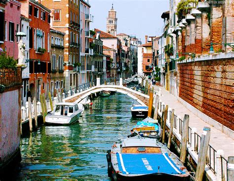 Entangled Canals Of Venice Italy Traveler Corner