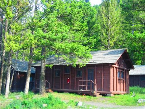 yellowstone national park cabins yellowstone national park cabin rentals images