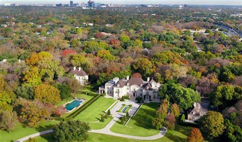 massive  million dallas mega mansion   auction houston chronicle
