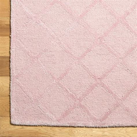 light pink trellis rug i decorate like a 13 year old making it lovely