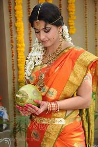 Free Wallpapers: ANUSHKA IN TRADITIONAL DRESS PHOTO GALLERY  Traditional