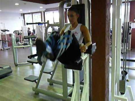 exercice de musculation des abdos bas relev 233 de jambes chaise romaine