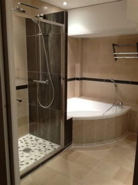modele de chambre de bain revger com salle de bain avec et baignoire dangle