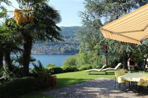 Haus Kaufen Ganze Schweiz by Ferienhaus Schweiz Ferienhaus Mit Motorboot Wiese Und