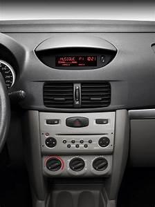 Renault Clio Symbol  Thalia Specs  U0026 Photos