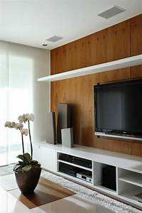 Tv An Wand Anbringen : wandverkleidung mit holzpaneele ~ Markanthonyermac.com Haus und Dekorationen