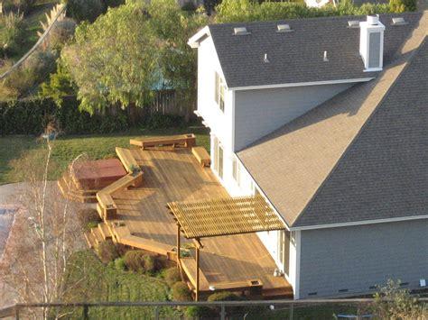 Simple Decks For Houses Ideas by Ficheiro Backyard Deck Jpg Wikip 233 Dia A Enciclop 233 Dia Livre