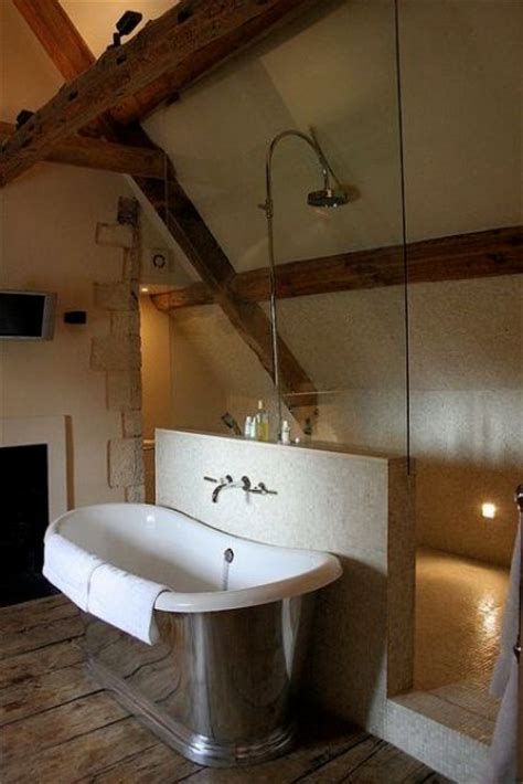 ways  incorporate exposed wooden beams  bathroom