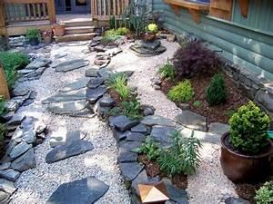 Pflanzen Japanischer Garten : japanischer garten steine kies pflanzen elemente vorgarten ~ Lizthompson.info Haus und Dekorationen