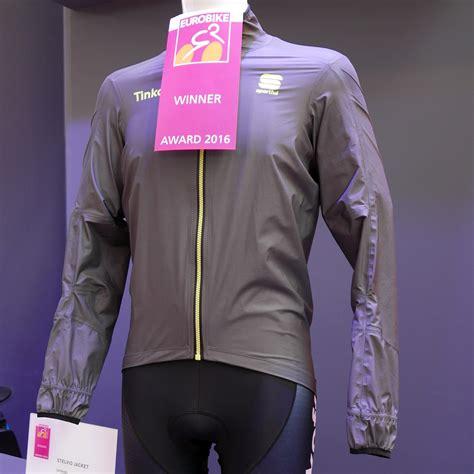 packable waterproof cycling 100 packable waterproof cycling jacket packable