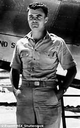 Gen tibbets in the enola gay