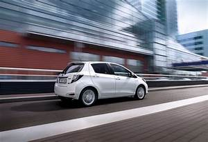Essai Toyota Yaris Hybride : images toyota yaris hybride moniteur automobile ~ Gottalentnigeria.com Avis de Voitures
