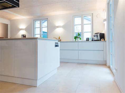 Fliesen Für Küchenboden by K 252 Chenboden Diese Bodenbel 228 Ge Eignen Sich Das Haus