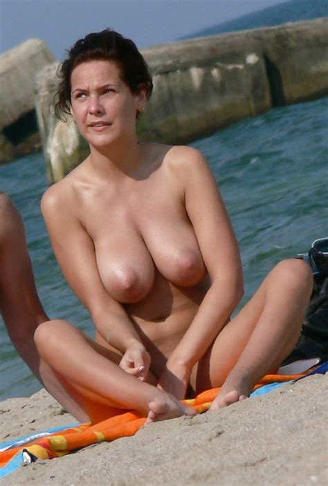 Floppy Saggy Puffy Nipples Beach 2 18 Pics Xhamster