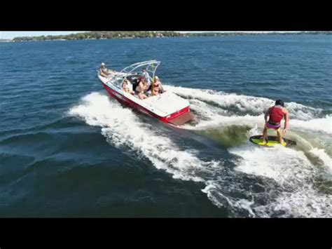 How A Wake Boat Works by How Do Wake Shapers Work On Inboard Boats Youtube