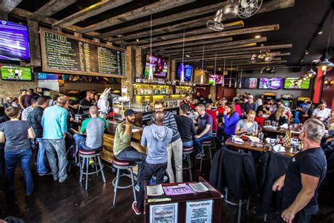 Replay Andersonville Bar in Chicago | UrbanMatter