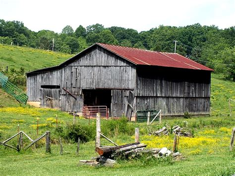East Tennessee Barn -- Nature & Landscapes In Photography
