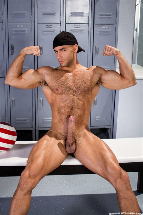 Hot Muscle Hunk Joey Z Fucks Hairy Muscle Stud Sean Zevran