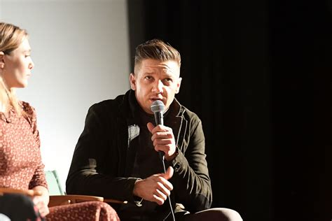 Jeremy Renner Photos Wind River With