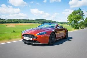 Aston Martin V12 Vantage S : 2016 aston martin v12 vantage s roadster review gtspirit ~ Medecine-chirurgie-esthetiques.com Avis de Voitures