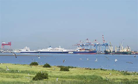 nantes nazaire port nazaire le port de tous les voyages