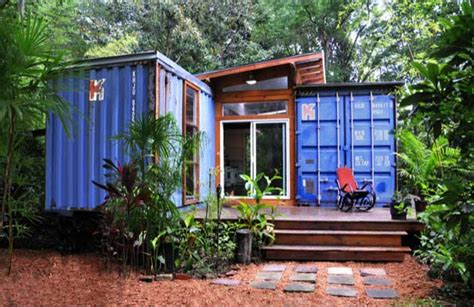 12 Awesome Homes Built With Recycled Material (Including a