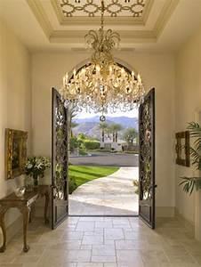 Enlighten your lavish entryway dig this design