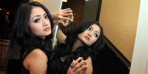 Siti Badriah Tanggapi Santai Foto Bugil Mirip Dirinya