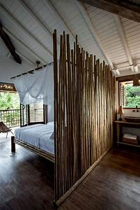 le lit en bambou authenticite et touche zen With meuble bibliotheque bureau integre 0 le bureau avec etagare designs creatifs archzine fr