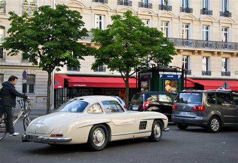Here in the us, you must subscribe to satellite radio to have the live traffic in nav mode. Stuck in traffic with style. - Mercedes-Benz 300 SL | Flickr