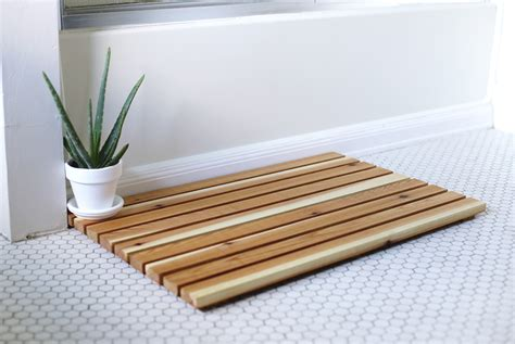 wooden bath mat diy cedar bath mat the merrythought