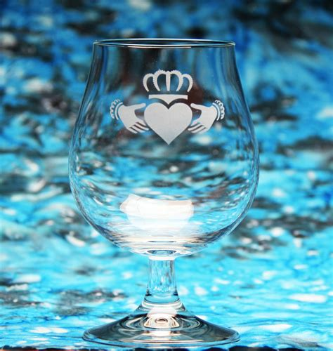 claddagh wine glass etchtalkcom glass etching projects