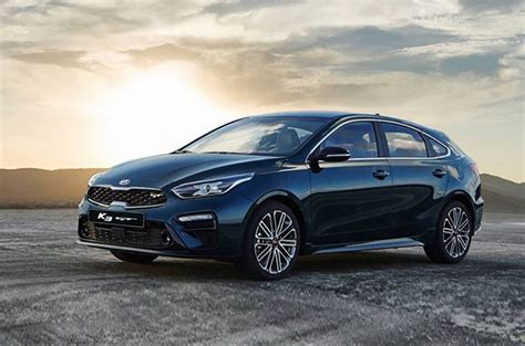 kia forte 5 gt 2020 kia unveils forte hatchback gt in korea and we want it