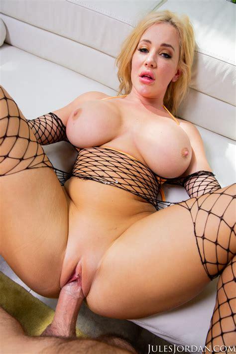 Savannah Bond Cums Hard With Big Dick In Wet Twat 1 Of 1