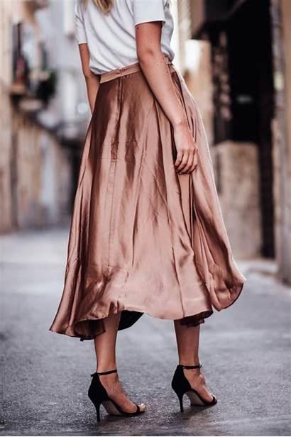 Satinrock Chanel Outfit Laura Ellen Saint August