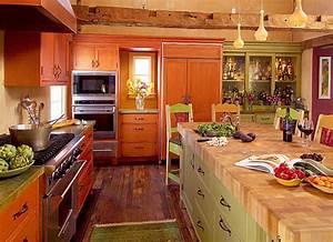 Longleaf Lumber - Reclaimed Hand-Hewn Beams And Flooring