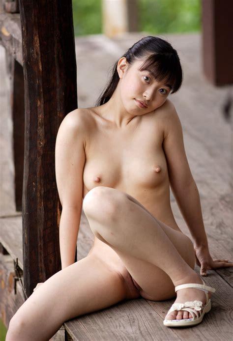 Rika Nishimura Nude家庭内盗撮こども