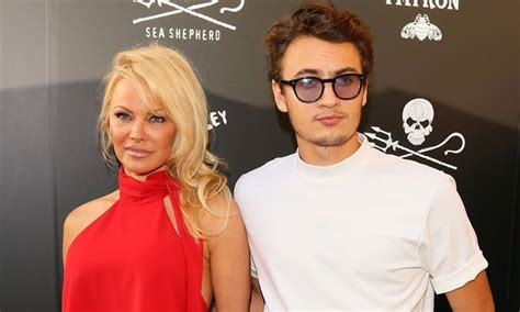 Pamela Anderson Makes A Rare Appearance With Her 21year