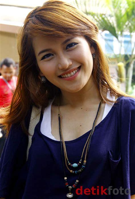Ayu Tingting Hot Actress In The World