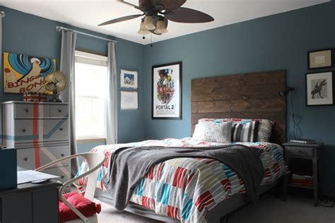 All Finished! Rustic-industrial Tween Room
