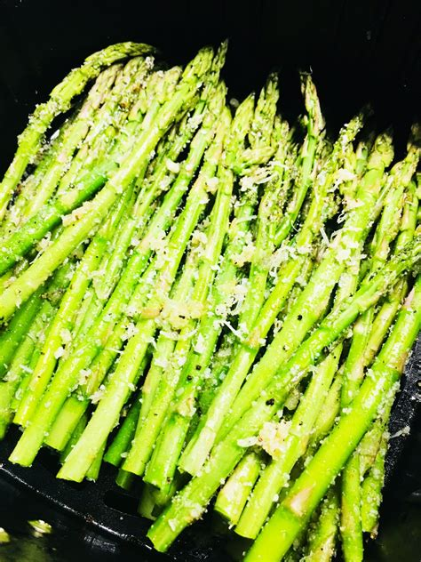 air fryer asparagus parmesan garlic cooks others well recipes