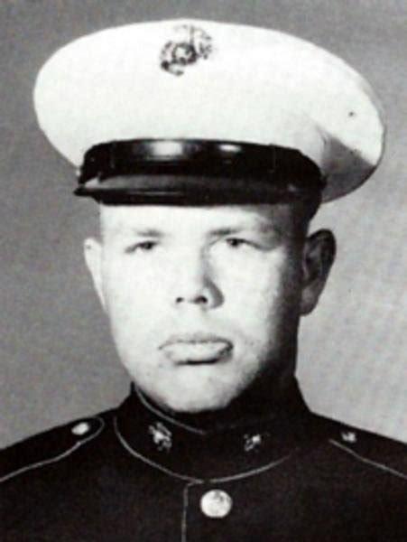 Virtual Vietnam Veterans Wall Of Faces  Robert D Draper