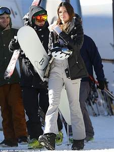 Kendall Jenner Falls Off Ski Lift | www.pixshark.com ...