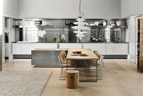 cuisine blanche plan de travail noir cuisine blanche et inox idées et astuces en 90 photos